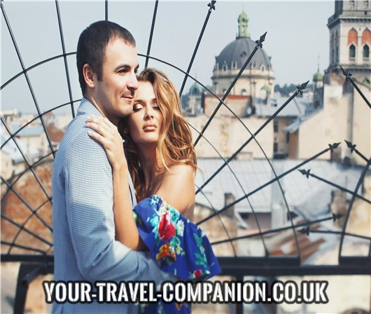 Travel friends with benefits - your alternative to a holiday affair